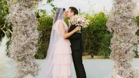 L'abito da sposa rosa di Mandy Moore