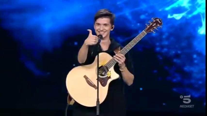 Marcin Patrzalek, il bravissimo chitarrista 18enne polacco che si guadagna subito un posto in finale