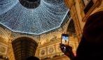 Natale a Milano, le luci illuminano la volta in Galleria Vittorio Emanuele