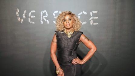 Le star nel front-row della prima sfilata Versace a New York