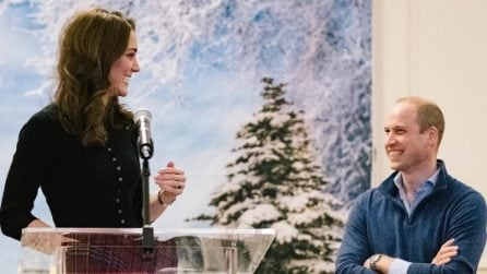 Kate Middleton, il look natalizio con la gonna tartan