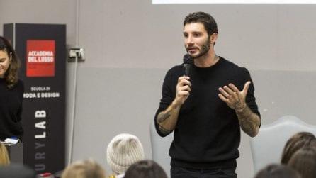 """Stefano De Martino """"professore"""" all'Accademia del Lusso"""