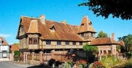 Francia, il pittoresco borgo di Beuvron-en-Auge