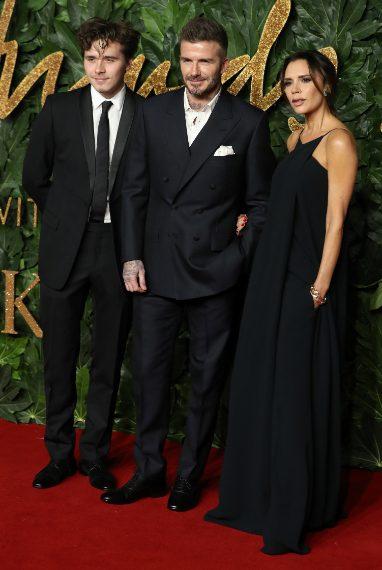 Brooklyn, David e Victoria Beckham in Victoria Beckham