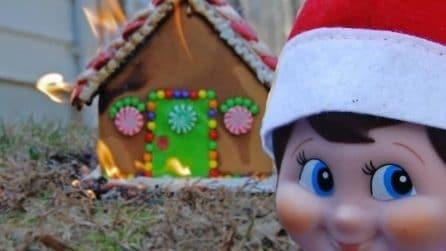 Il piccolo aiutante di Babbo Natale diventa cattivo: le immagini divertentissime