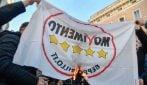 Ncc bloccano il centro di Roma: rabbia contro il Governo, bruciata bandiera M5s
