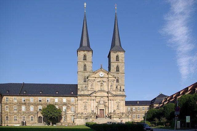 https://it.m.wikipedia.org/wiki/File:Bamberg_Sankt_Michael_BW_11.JPG