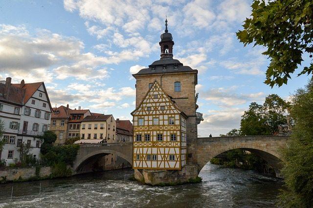 https://www.maxpixel.net/Town-Hall-Bridge-Bamberg-Regnitz-Fachwerkhaus-1752501