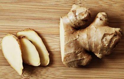 Zenzero: un ottimo alimento che aiuta ad eliminareimpurità e tossine dallo stomaco oltre che apportare un effetto antiossidante