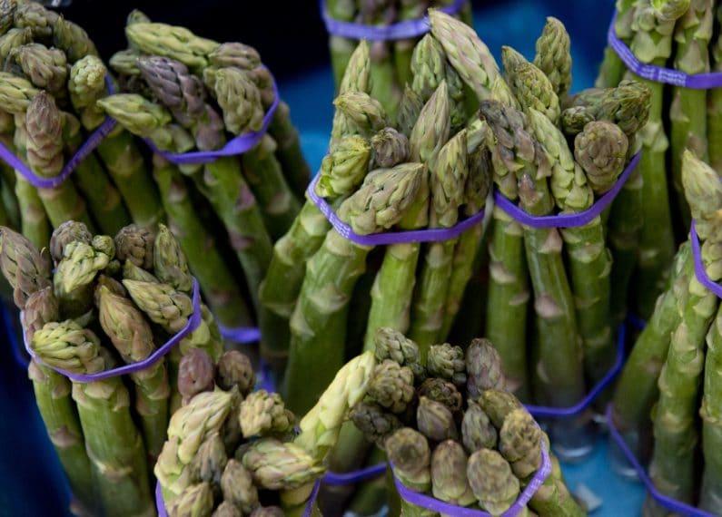 Asaparagi:aiutano ad eliminare le tossine dal nostro organismo depurandolo