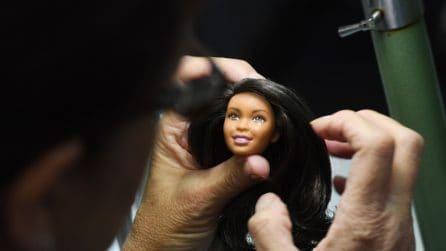 Barbie, dal disegno alla creazione: il dietro le quinte della bambola più famosa del mondo