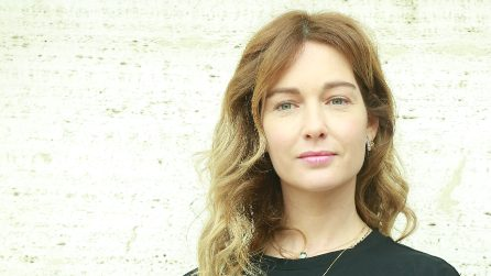 """Cristiana Capotondi cambia look per la prima di """"Attenti al Gorilla"""""""