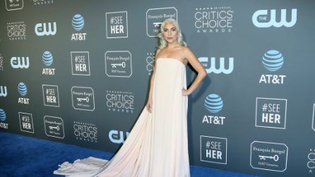 Le foto di Lady Gaga ai Critics Choice Awards 2019