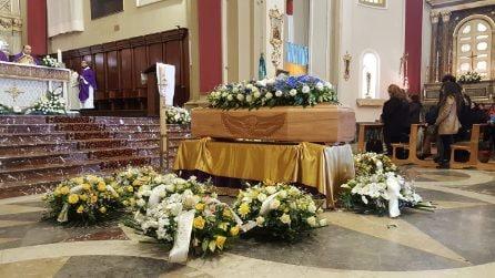Funerali Luca Cardillo, folla al Duomo di Giarre per l'ultimo saluto al 23enne