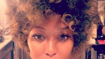 La nuova acconciatura afro di Naomi Campbell