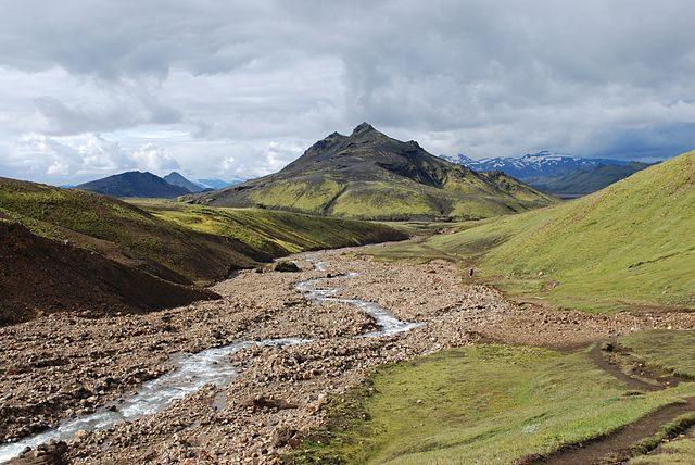 https://en.wikipedia.org/wiki/Laugavegur#/media/File:Landscape_during_Laugavegur_hiking_trail_2-CA_reduced.jpg