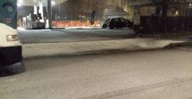 Nevicata notturna a Milano, strade imbiancate