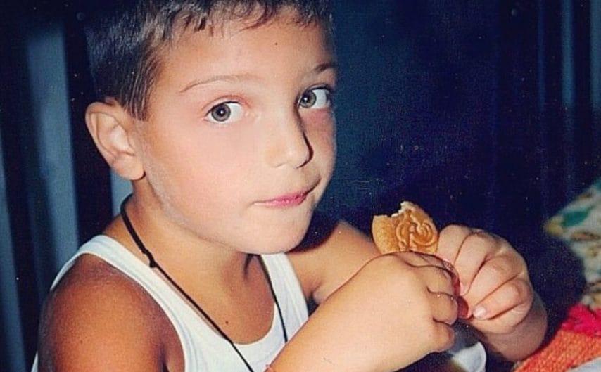 Gianluca Ginoble in una foto in cui era ragazzino