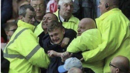 """""""Steward costringono fan del Chelsea a non andare via dallo stadio"""". Gli sfotto' al Chelsea di Sarri"""