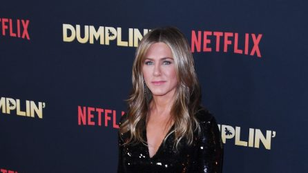 I 50 anni di Jennifer Aniston in 50 look glamour