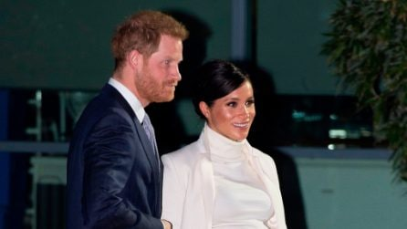 Meghan Markle, il look premaman total white