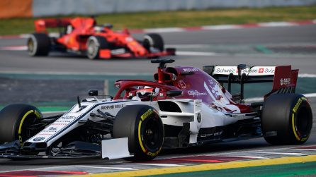 Bianco e rosso per l'Alfa Romeo Racing, la nuova livrea presentata a Barcellona