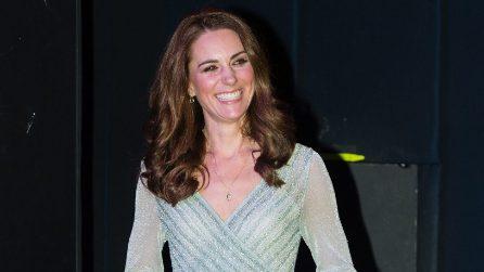 Kate Middleton con l'abito trasparente in lamé