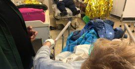 """Palermo, all'ospedale Cervello malati da giorni nei corridoi: """"Senza bagni, tra la spazzatura"""""""