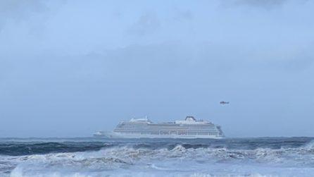 Nave da crociera in avaria in Norvegia, 1300 passeggeri da evacuare