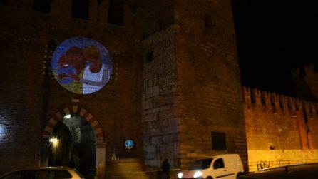 Congresso Verona, movimento All Out illumina i monumenti con messaggi d'amore universale