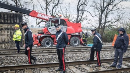 Pieve Emanuele, crolla lastra di metallo in un cantiere ferroviario: due operai morti schiacciati
