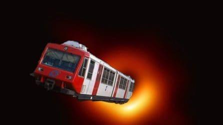 Dalla Circum ai bus Anm: l'ironia sulla foto del buco nero a Napoli