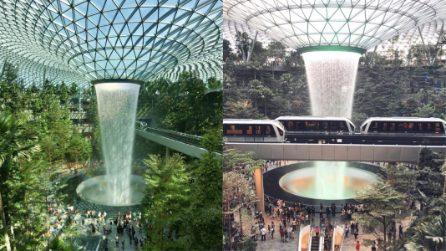 Una cascata in aeroporto: la più alta del mondo in un ambiente chiuso, raccoglie l'acqua piovana