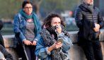 Incendio Notre Dame, la disperazione delle persone mentre assistono all'incendio