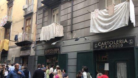Napoli torna negli anni Sessanta: a Port'Alba si gira L'Amica Geniale