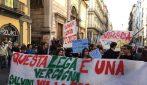 Napoli, centinaia di persone in corteo contro Matteo Salvini