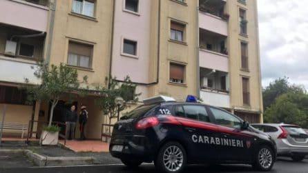 Monterotondo, 19enne uccide il padre violento: le immagini del luogo dell'omicidio