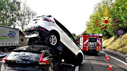 Incidente sulla Milano-Meda: suv si solleva da terra dopo un tamponamento, quattro feriti