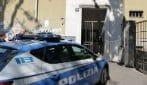 Milano, bimbo di due anni trovato morto in casa coi piedi legati: si cerca il padre