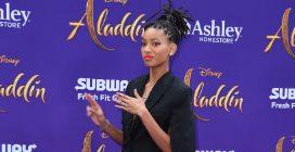 """Willow Smith alla prima di """"Aladdin"""" in total black"""