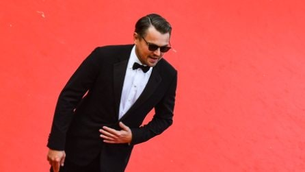 Leonardo Di Caprio: a Cannes in smoking e occhiali scuri