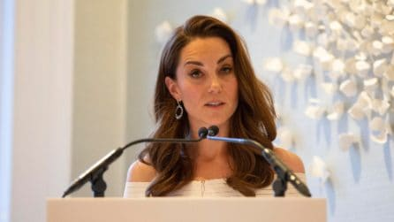 Il look riciclato di Kate Middleton alla cena di beneficenza