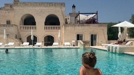 Alessia Marcuzzi in vacanza in Puglia, il resort che la ospita è extralusso