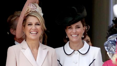 Kate Middleton in bianco e con il cappello al Garter Day