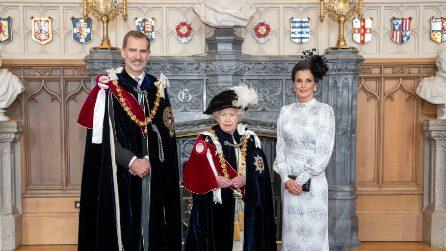 Il look della regina di Spagna Letizia al Garter day