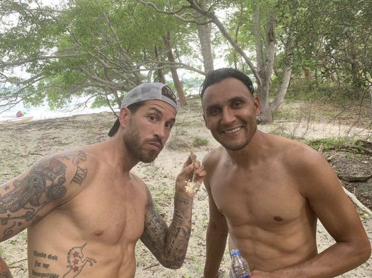 """""""Pura Vida"""" scrive Sergio Ramos pubblicando quesa immagine sulla siaggia"""