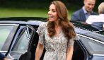 Gli abiti floreali per l'estate in stile Kate Middleton