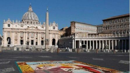Vaticano, l'infiorata storica in via della Conciliazione
