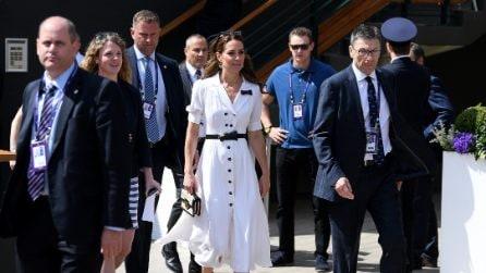 Kate Middleton, l'arrivo a Wimbledon in bianco