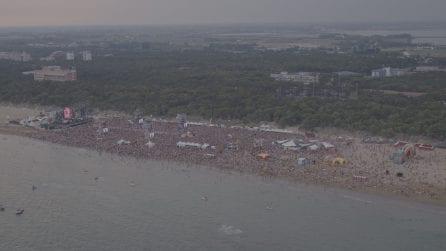 Jova Beach Party a Lignano Sabbiadoro, le spettacolari immagini dal drone